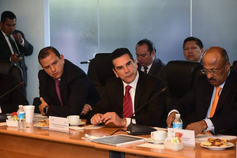 AMC se reúne con Diputados Federales