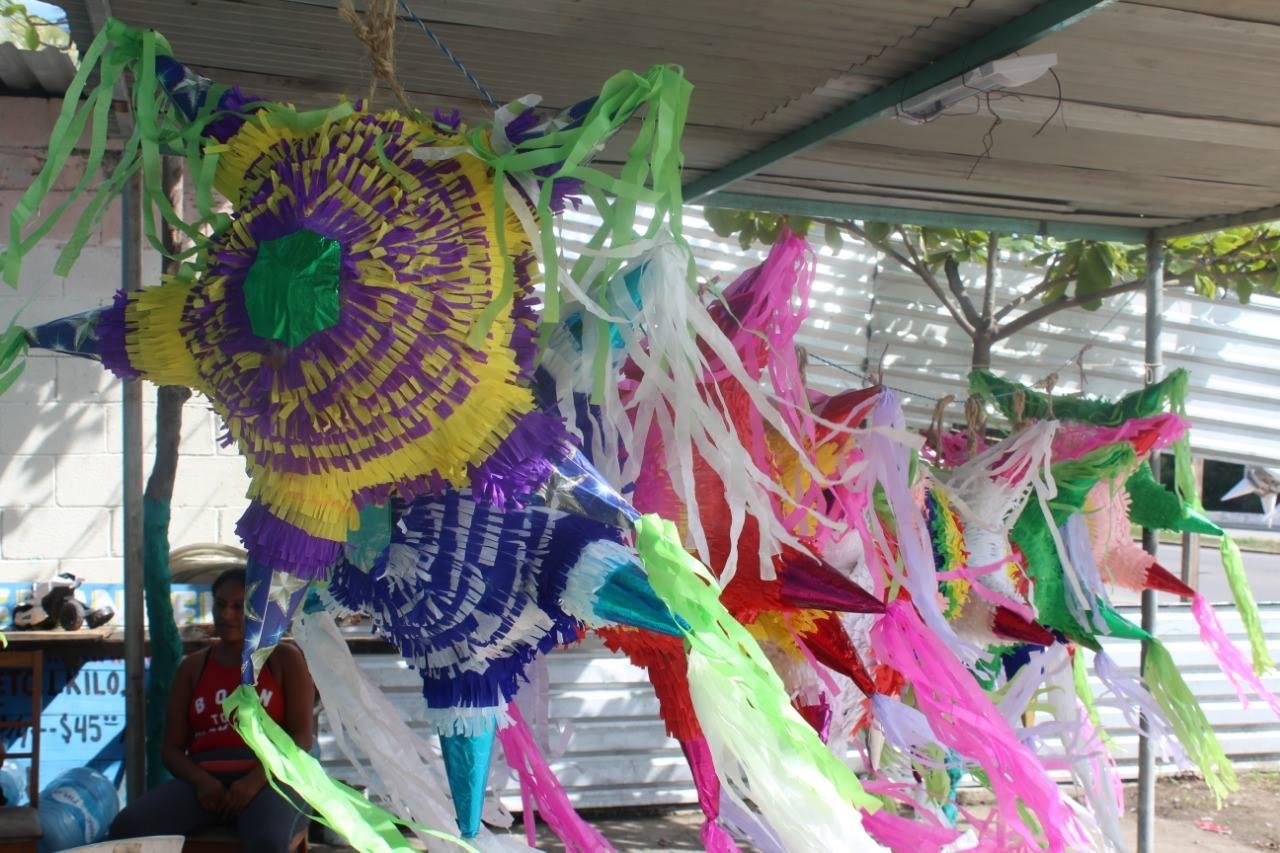 Inicia venta de piñatas